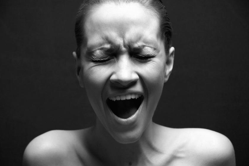 Femeie care cauta furie